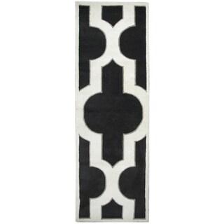 "Hand-tufted Volare Black Wool Trellis Runner Area Rug (2'6 x 8') - 2'6"" x 8'"
