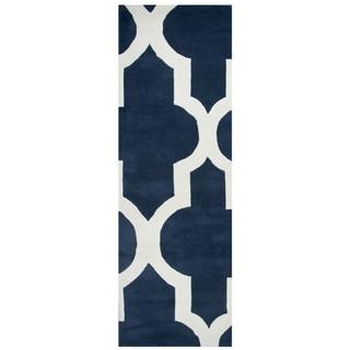 "Hand-tufted Volare Navy Wool Trellis Runner Area Rug (2'6 x 8') - 2'6"" x 8'"