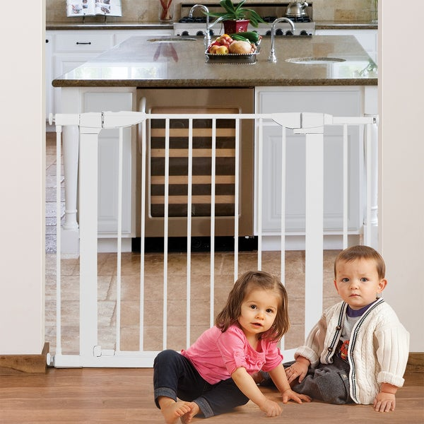 Shop Munchkin Auto Close Metal Safety Gate White Free