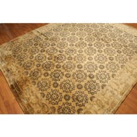 Hand-knotted Tibetan Gold-tone Wool Area Rug (7'9 x 9'10)