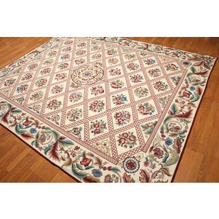 Handwoven Wool Needlepoint Multicolor Area Rug (8' x 9'10)