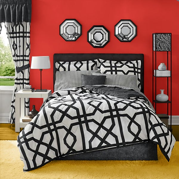 Tribute Black and White Bed in a Bag Comforter Set