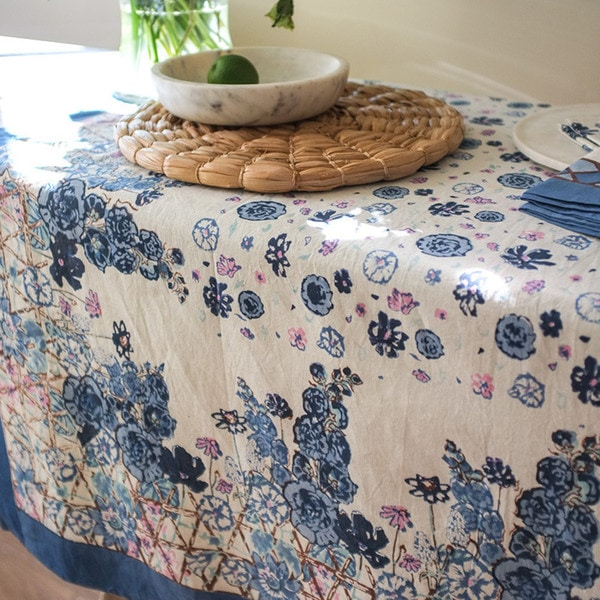 Beau Couleur Nature Fleur Savage Blue/White Cotton Tablecloth
