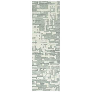 "Hand-Tufted Leone Gray Wool Block Runner Area Rug (2'6"" x 8')"