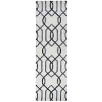 Hand-tufted Caterine Grey Wool Trellis Runner Rug (2'6 x 8')