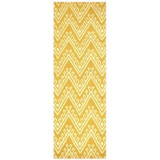 "Hand-Tufted Bradberry Downs gold Wool Chevron Runner Area Rug (2'6"" x 8')"