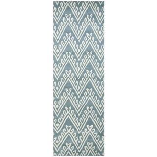 "Hand-Tufted Bradberry Downs Blue Wool Chevron Runner Area Rug (2'6"" x 8')"