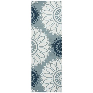 "Hand-Tufted Azzura Hill Dark Sage Medallion Runner Area Rug (2'6"" x 8')"