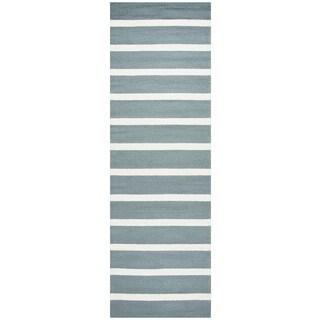 """Hand-Tufted Azzura Hill Dark Sage Strips Runner Area Rug (2'6"""" x 8')"""