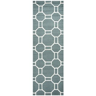 Hand-tufted Azzura Hill Dark Sage Geometric Runner Rug (2'6 x 8')