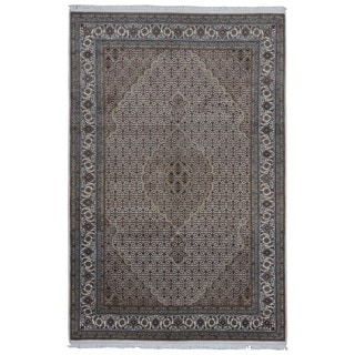FineRugCollection Handmade Fine Mahi Tabriz Ivory & Olive Oriental Rug With Silk (6'7 x 9'10)