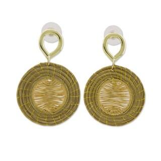 Handmade Gold Accent Golden Grass 'Sunbeams' Earrings (Brazil)