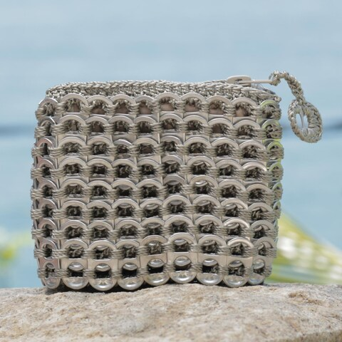 Handmade Soda Pop-top 'Beige Style' Coin Purse (Brazil)