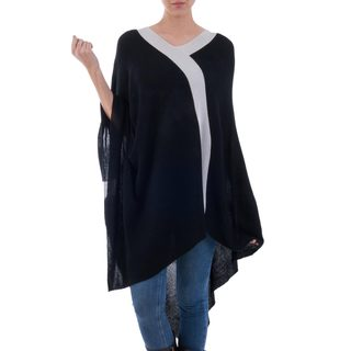 Handmade Acrylic Alpaca Blend 'Black and Grey Beam of Light' Poncho (Peru)