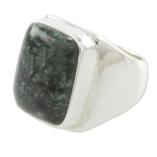 Handmade Men's Sterling Silver 'Fortitude' Jade Ring (Guatemala)