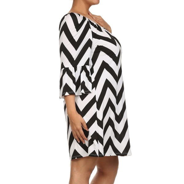 Shop Women\'s Black/White Rayon/Spandex Plus Size Zigzag ...