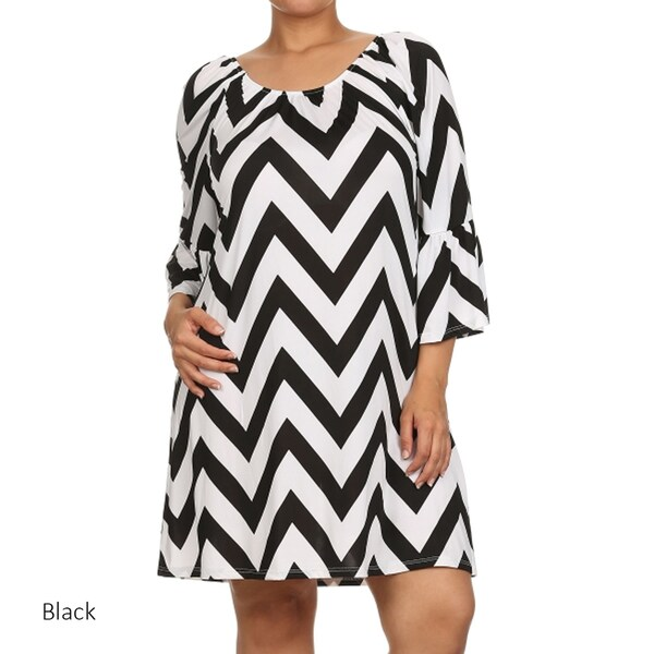 Shop Women\'s Black/White Rayon/Spandex Plus Size Zigzag Chevron ...