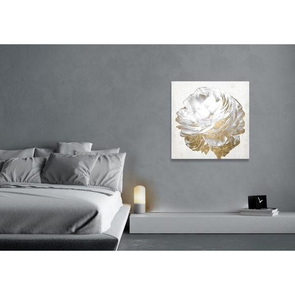 Oliver Gal 'Gold and Light Floral White' Fashion and Glam Florals Gallery Wrapped Canvas Art - Gold/White