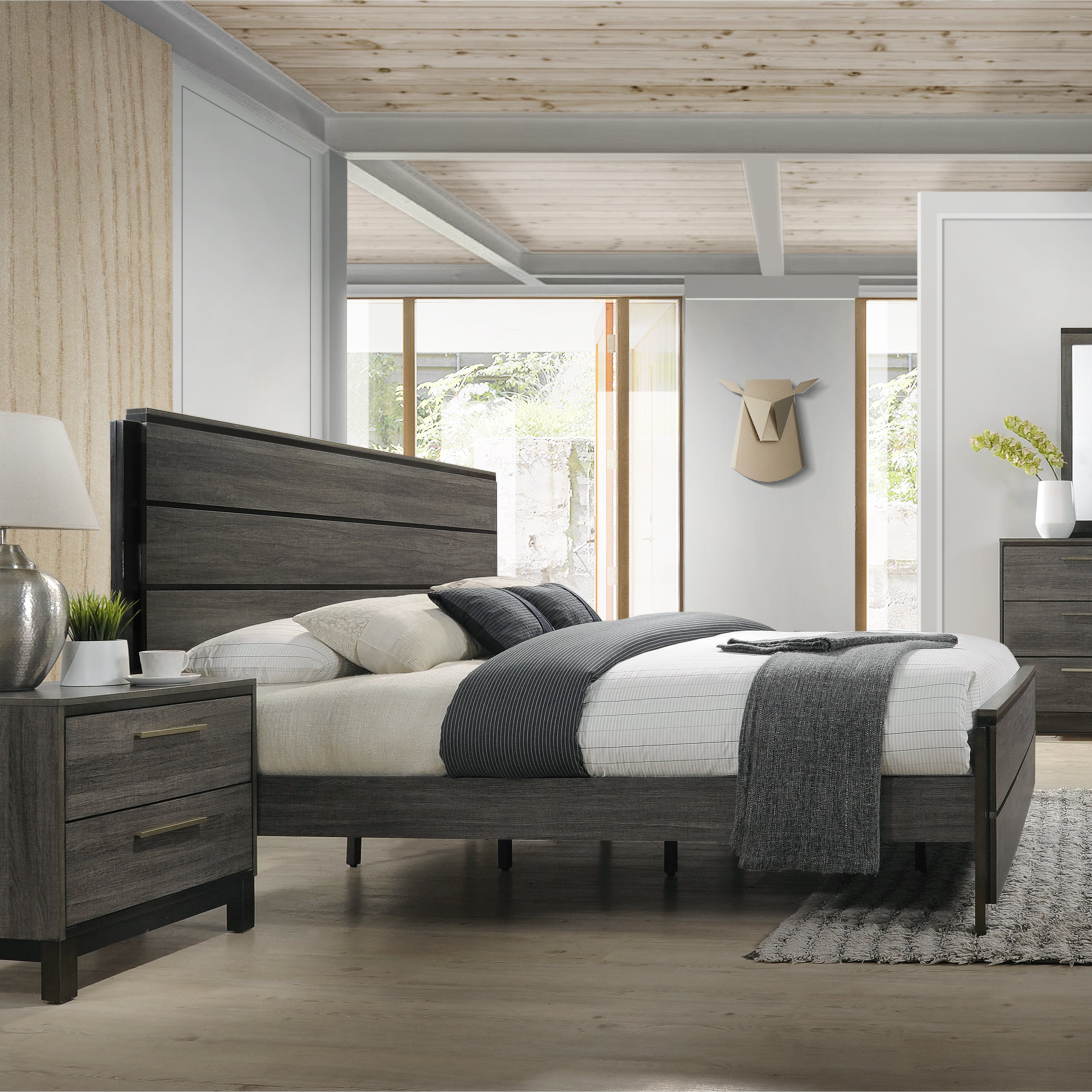 Ioana 187 Antique Grey Finish Wood Bed Room Set King Size Dresser Mirror 2 Night Stands Chest