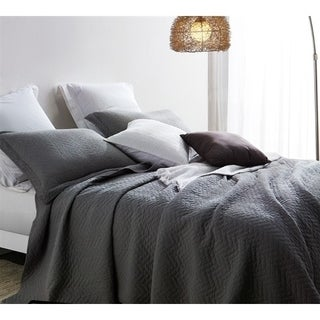 BYB Alloy Grey Cotton Virtue Textured Quilt Set (Shams Not Included)