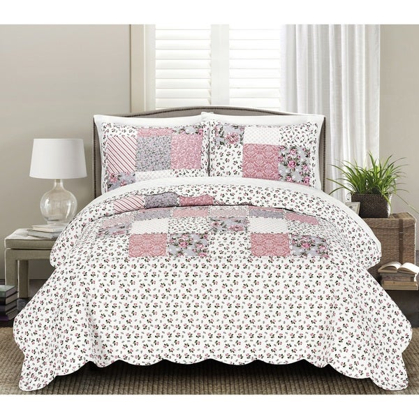 Blissful Living Beatrice Pink 3-piece Luxury Ruffle Quilt Set