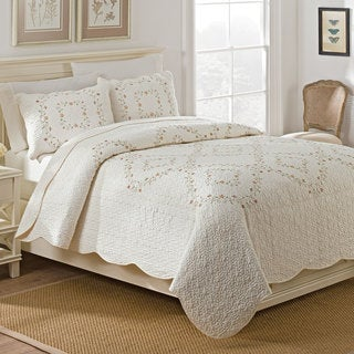 WestPoint Home Ashley Quilt Set