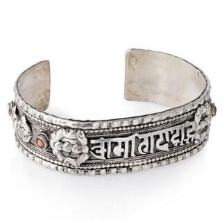 Handmade White Metal Bracelet Newar 'Om Mani with 4 Vajra' (Nepal)