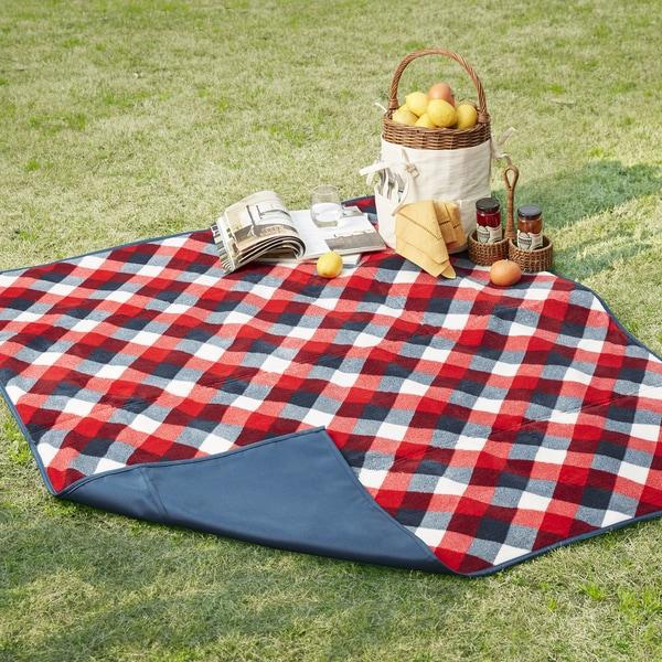 Madison Park Hampton Navy/ Red Waterproof Picnic Blanket