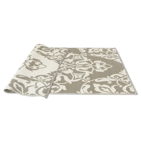 Kotter Home Cool Silver and White Reversible Indoor / Outdoor Mat - 5' x 8'