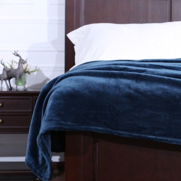 Berkshire VelvetLoft Silky Plush Blanket