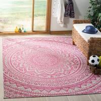 """Safavieh Courtyard Moroccan Indoor/Outdoor Grey/ Pink Area Rug - 5'3"""" x 7'7"""""""