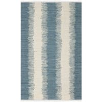 Safavieh Montauk Hand-Woven Blue Cotton Area Rug - 5' x 7'