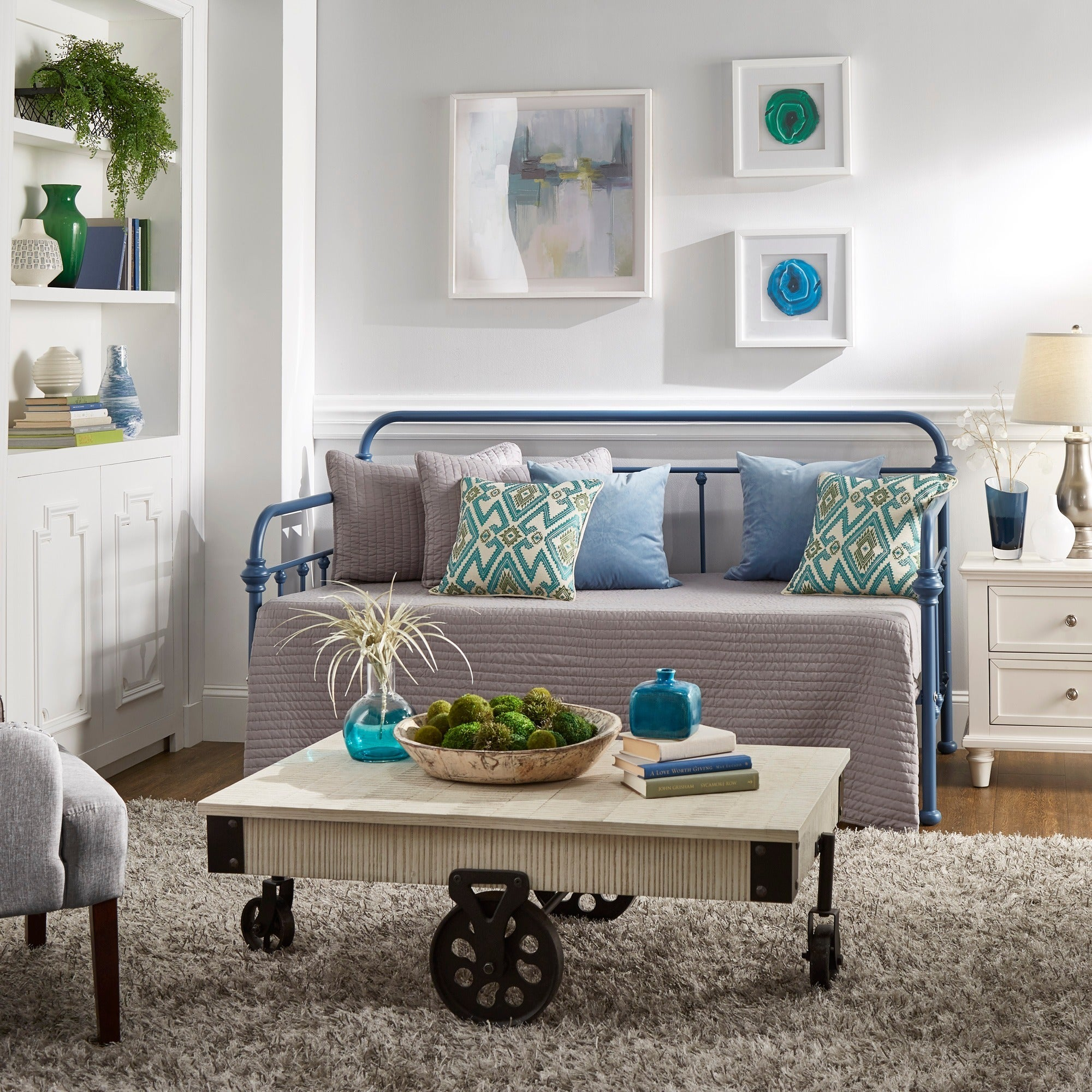 Giselle II Antique Graceful Lines Iron Metal Daybed iNSPI...