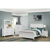 Simmons Casegoods Cape Cod Collection 3-Piece Queen/ King Bedroom Set