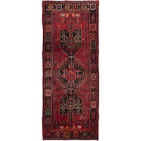eCarpetGallery Hand-knotted Zanjan Red Wool Rug (4'5 x 10'10)