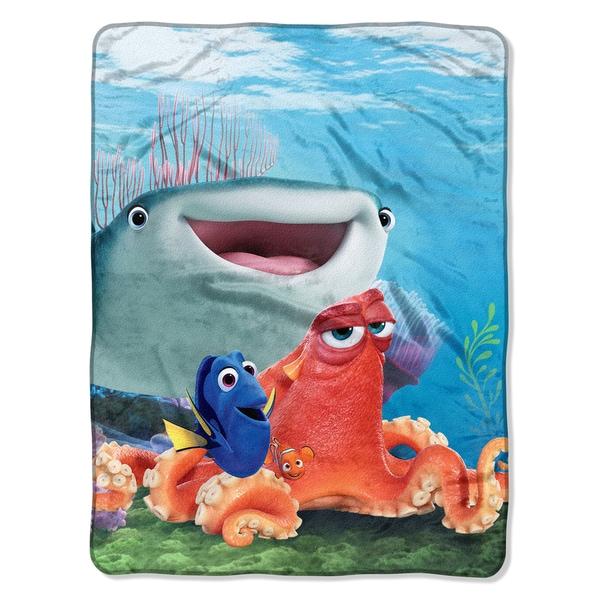 Dory  A Fishy Group Throw