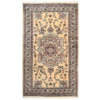 Herat Oriental Pakistani Hand-knotted Bokhara Wool Rug (2'11 x 5')
