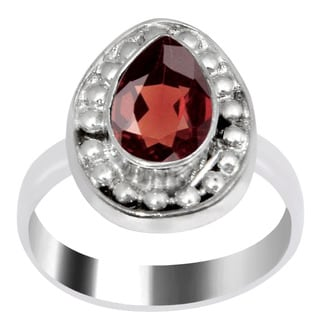 Orchid Jewelry 1 1/2 Carat Garnet Silver Overlay Ring