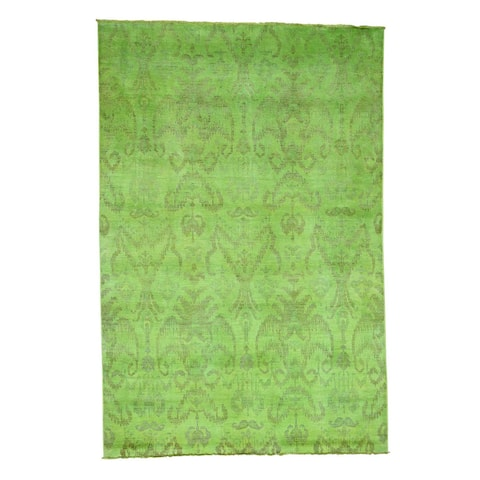 Shahbanu Rugs Ikat Green Wool Overdyed Hand-knotted Area Rug (6'1 x 9'1)