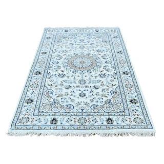 1800GetARug Nain Blue/Ivory Wool/Silk Handmade Oriental Rug (3'2 x 5'4)