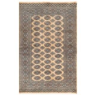 Herat Oriental Pakistani Hand-knotted Bokhara Wool Rug (4'1 x 6'4)