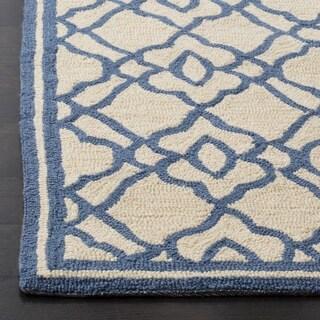 Safavieh Hand Hooked Four Seasons Ivory / Blue Indoor/Outdoor Rug (8' x 10')