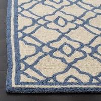 Safavieh Hand Hooked Four Seasons Ivory / Blue Indoor/Outdoor Rug - 8' x 10'