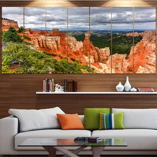 Designart 'Bryce Canyon National Park' Landscape Wall Artwork on Canvas