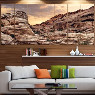 Designart 'Scenic Red Rock Canyon in Nevada' Landscape Wall Artwork on Canvas