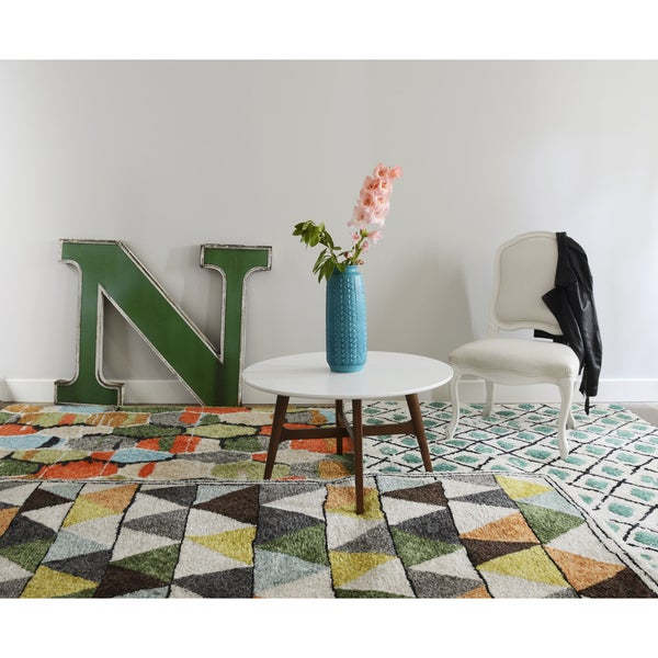 "Novogratz by Momeni Bungalow Triangles Rug (7'6"" x 9'6"") - 7'6"" x 9'6"""