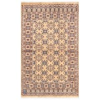 Handmade Herat Oriental Pakistani Bokhara Wool Rug - 2'6 x 4' (Pakistan)
