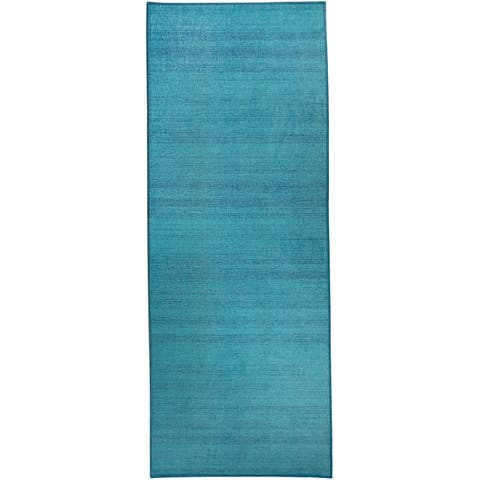 "RUGGABLE Washable Stain Resistant Runner Rug Solid Textured Ocean Blue - 2'6"" x 7'"