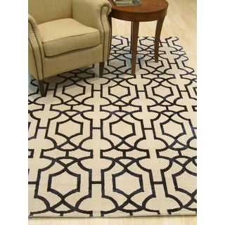 EORC Hand-knotted Ivory Wool and Viscose Transitional Geometric Tibetan Rug (5'x8')