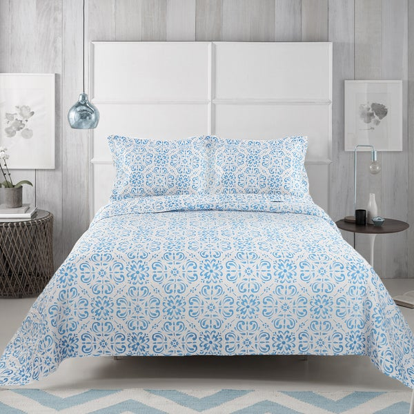 Tess 3-piece Blue and White Quilt Set